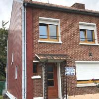 Maison semi-individuelle 4 chambres avec garage.