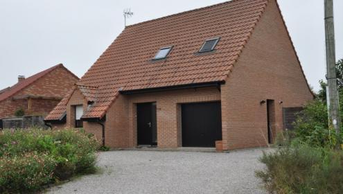Pavillon Individuel avec Garage bâti sur 1164 m2