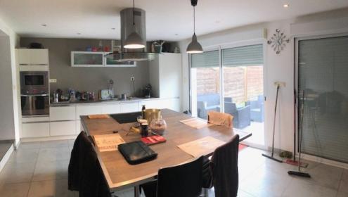 spacieuse maison tout confort, secteur résidentiel