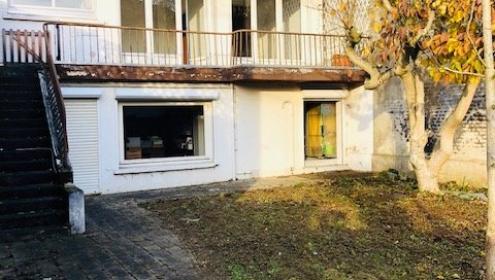 Maison d'architecte 5 chambres avec garage.
